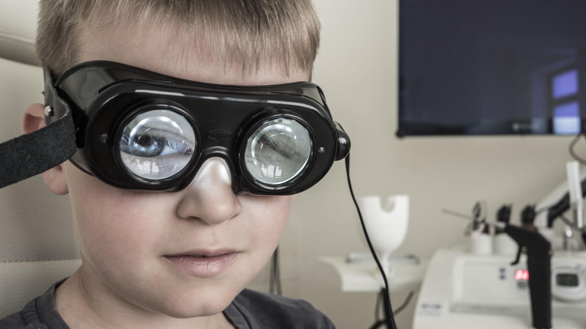 Badanie błędnika - okulary Frenzl`a